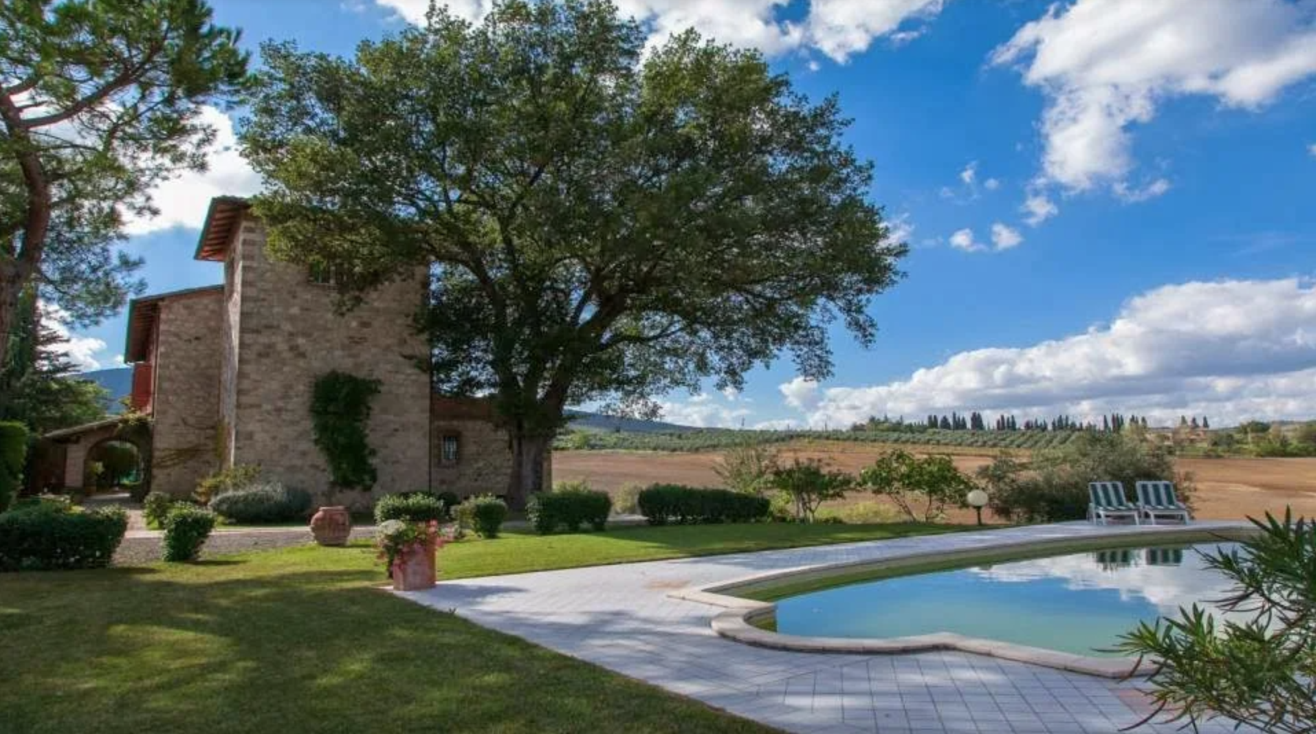 18th Century Tuscany Property - PFI International Ltd