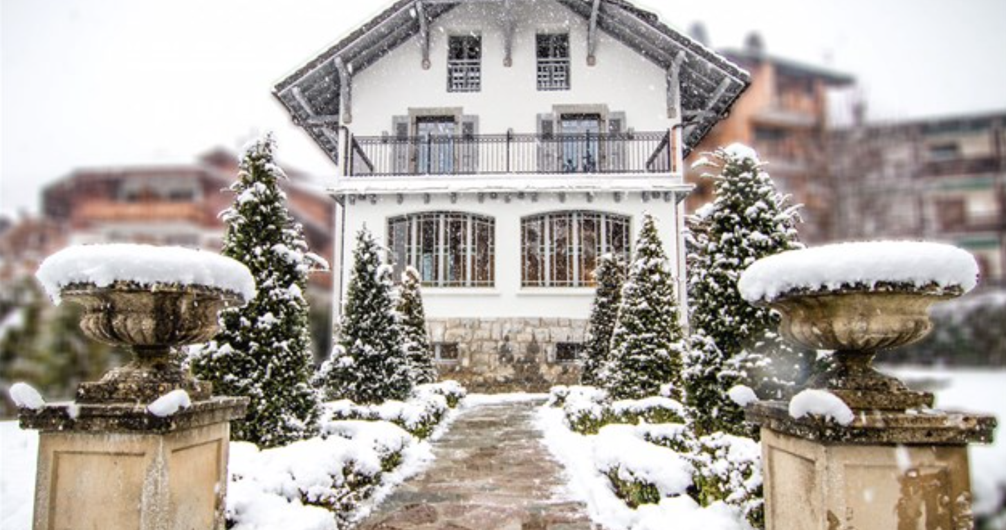 Beautiful 6-bedroom Samoens Chalet propertyfranceitaly.com