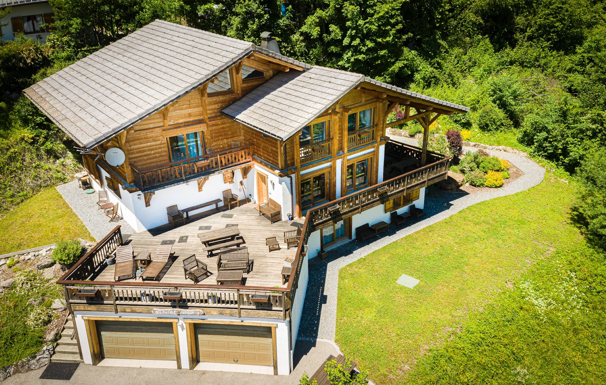 Large Stunning Sameons Chalet propertyfranceitaly