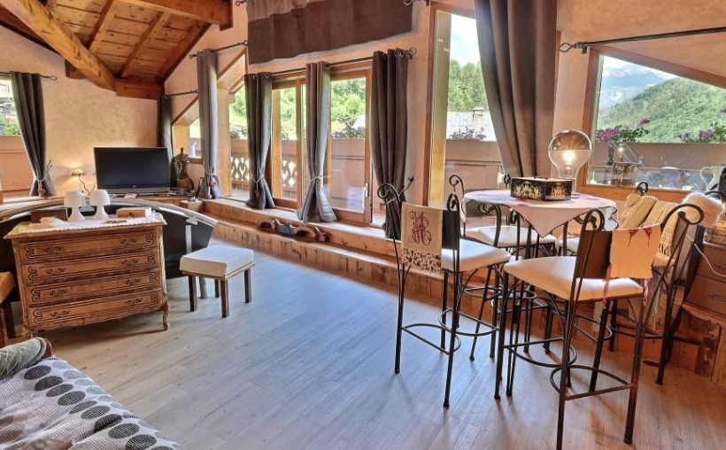 Exceptional spacious traditional Chalet