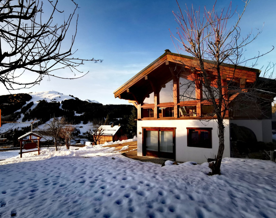 Beautiful Traditional Chavannes Chalet