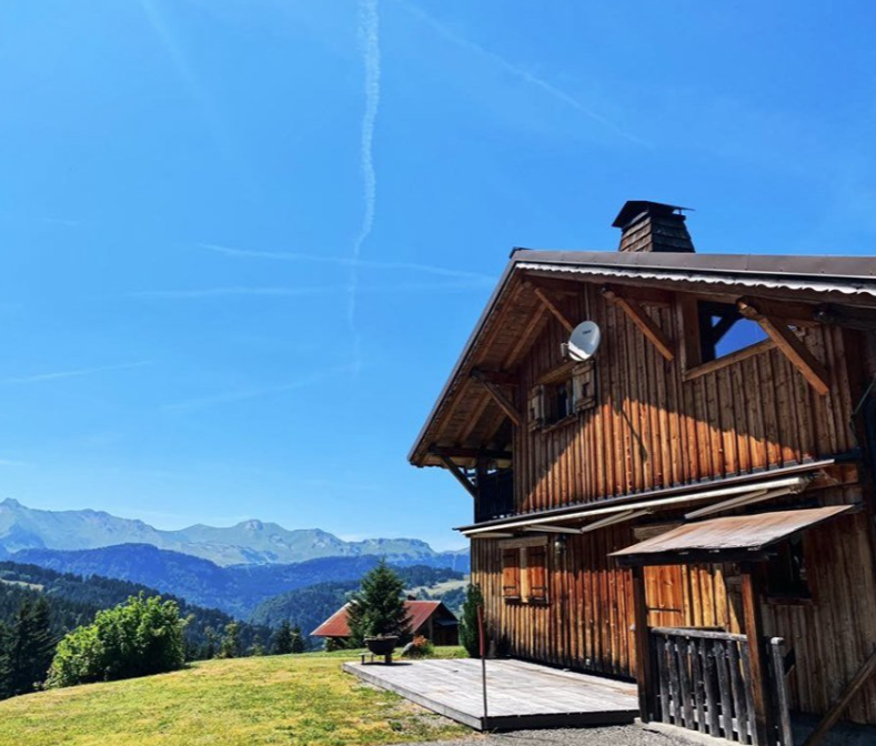 Traditional Renovated Charming Chalet