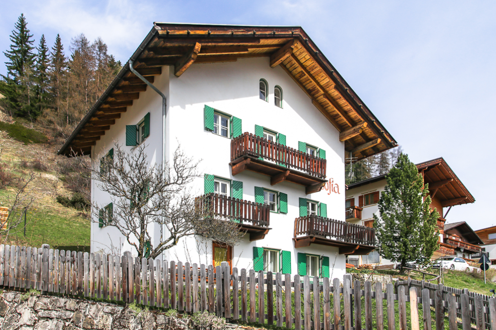 Detached house with Dolomites views