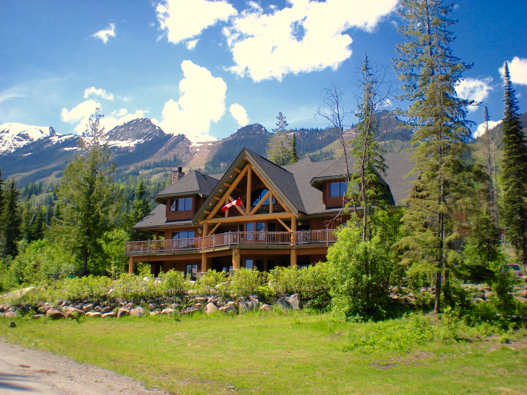 1-of-a-kind Golden,BC Canada Lodge