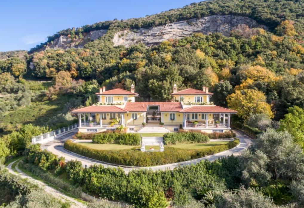 Elegant Villa On The Lake Massaciuccoli