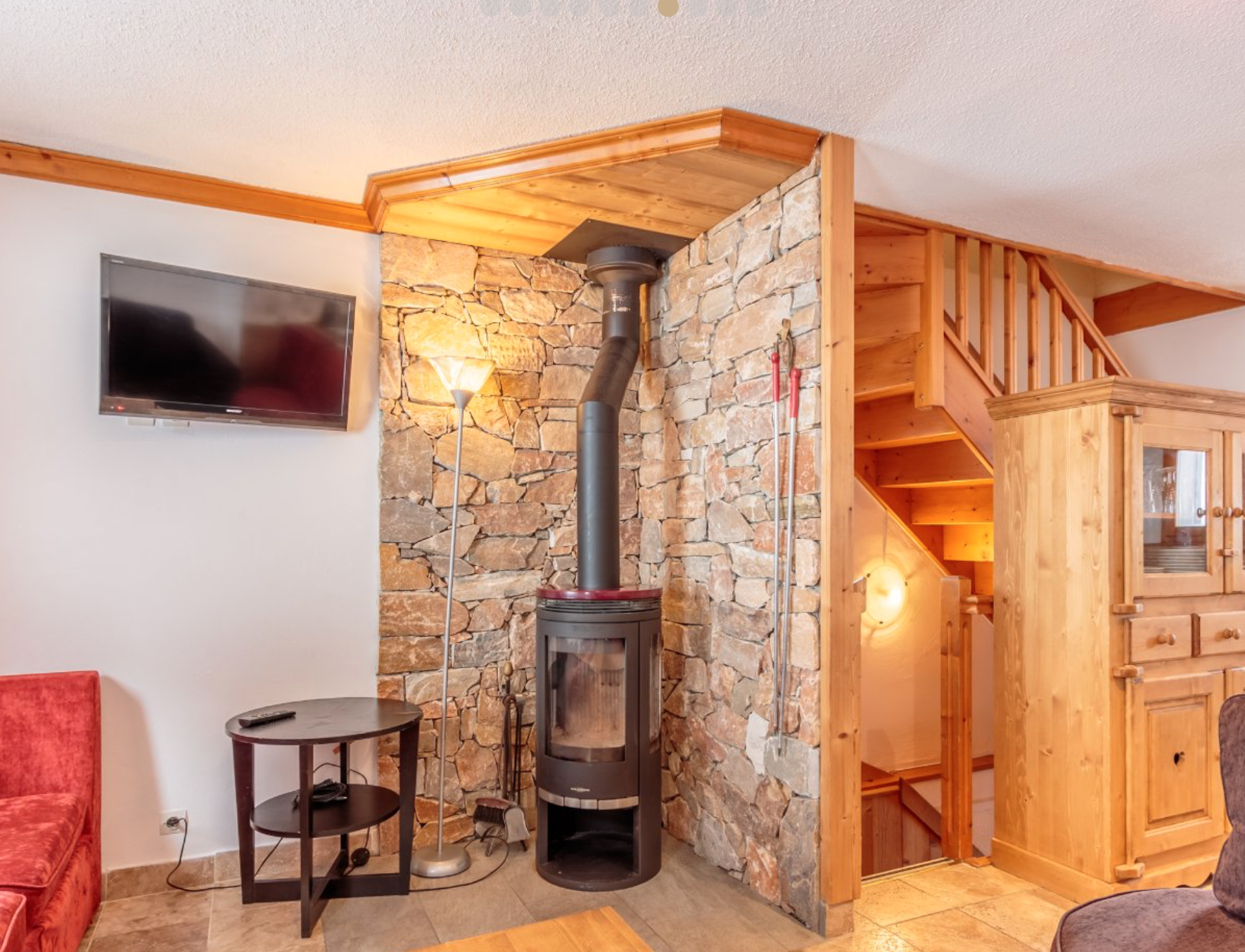 Traditional Semi-Detached Chalet