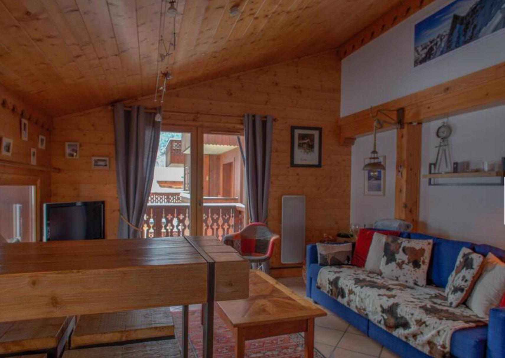 Cosy Ski-in Ski-out Apartment