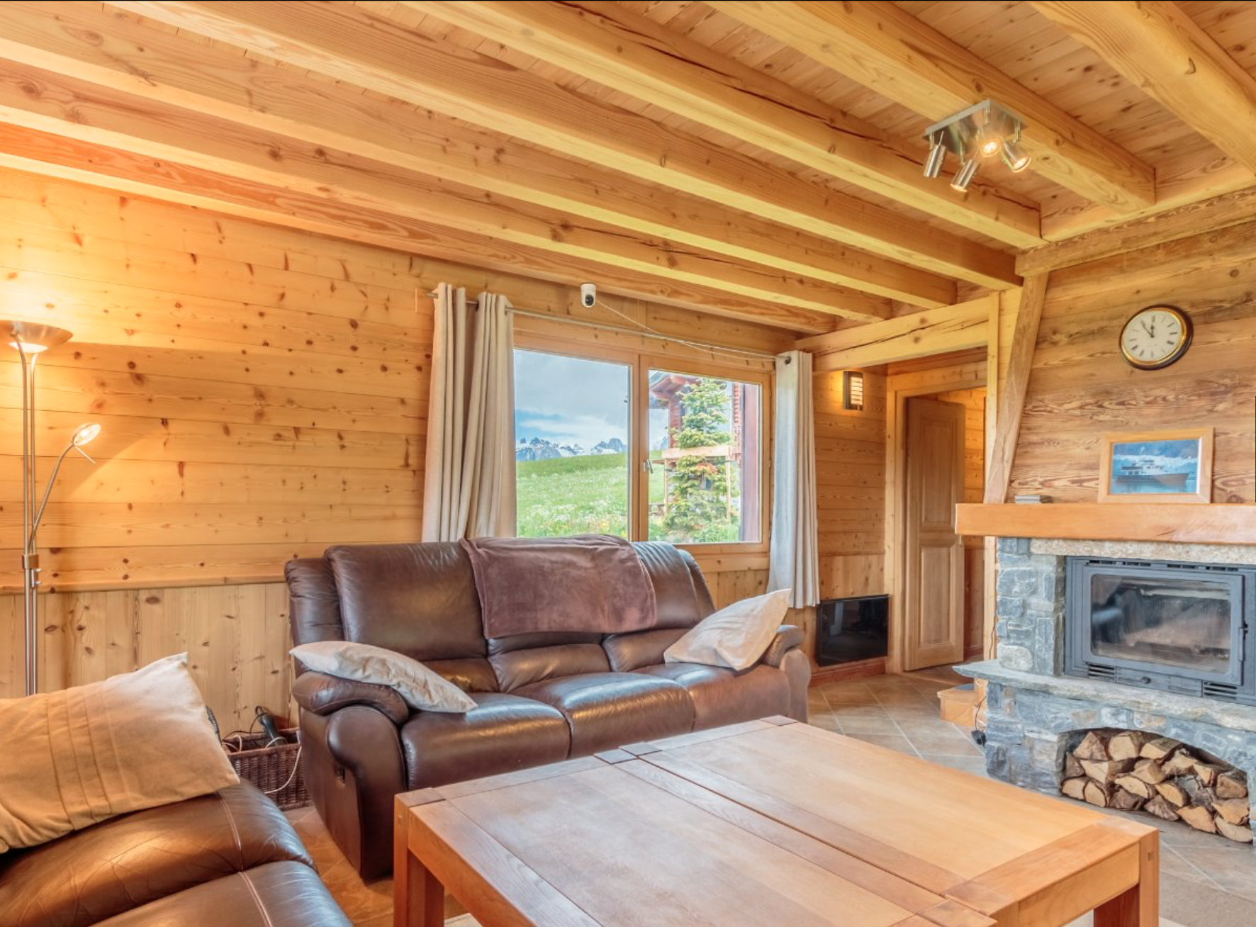 Recently Renovated Luxury Chalet